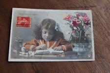 CPA  fantaisie rétro enfant petite fille écolier écriture plume mode 1909