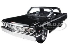1962 CHEVROLET IMPALA SS BLACK 1/24 DIECAST MODEL CAR BY NEW RAY 71843