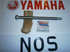 YAMAHA XT250 - FRAME WHEEL FRONT WHEEL SHAFT AXLE