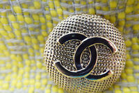 100% Authentic Chanel Button 1 pieces gold 💋😍😘👍XXL 27 mm 1 inch cc
