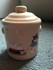 Crackled Porcelain Christmas Candle with Lid New!  Snowmen Holiday