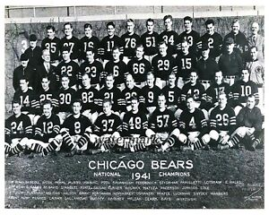 NFL 1941 Chicago Bears World Champion Team Picture with Names 8 X 10 Photo