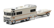 GREENLIGHT 1973 WINNEBAGO CHIEFTAIN RV W/ BOAT & TRAILER LIMITED EDITION