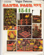 Vogue Christmas Decor Tree Hassock Wreath Pouches Sewing Pattern 1541
