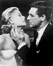 "CARY GRANT AND GRACE KELLY IN ""TO CATCH A THIEF"" - 8X10 PUBLICITY PHOTO (BB-447)"