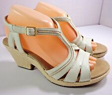 Clarks Womens Beige Leather Wedge Heel Sandals Size 9 M T-Strap Shoes