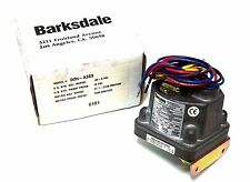 NIB BARKSDALE D2H-A3SS CONTROL VALVE 0.3-3PSI 10PSI 3/4IN D2HA3SS