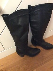 Vintage Womens Leather Knee High Black Boots size 6