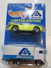 HOT WHEELS 1997 ALBERTSONS PORCHE 911 TARGA  - HIWAY HAULER 2 CAR PACK