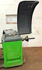 Bosch  Wb 401 Sbm 150 Computer Wheel Balancer Machine #300