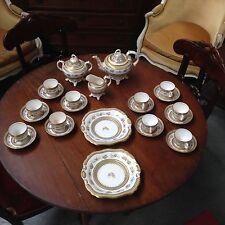 service à cafe en porcelaine fine décor de petite fleurs  .XIX siècle .