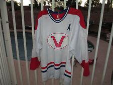 Billy Campbell #4 Verdun Juniors QMJHL game worn jersey with team plaque hammerd