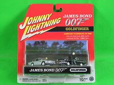 2001 Johnny Lightning James Bond Goldfinger 1964 Aston Martin 1955 Chrysler 300
