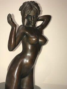 love statue - FULLY NAKED BRONZE ART NUDE - girl statue kneeling