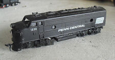 Vintage 1970s HO Scale Penn Central 1650 Powered Locomotive