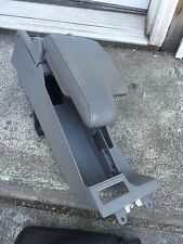 01 02 03 04 05 06 BMW E46 325i 330i M3 CI XI center console storage armrest