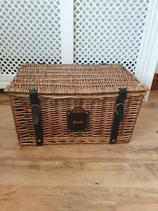 Harrods hamper basket