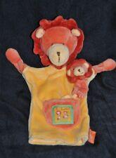 Peluche doudou marionette lion jaune orange MOULIN ROTY les loustics + bébé TTBE