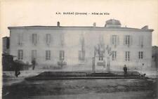 CPA 33 BARSAC HOTEL DE VILLE (cliché pas courant avec drapeaux