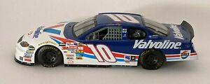 Johnny Benson #10 1:24 2001 Valvoline Racing Champions Diecast Car
