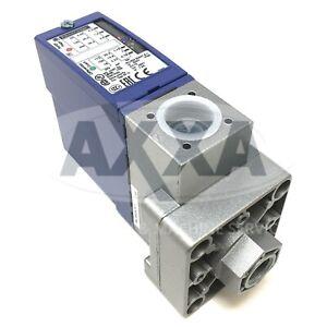 Pressure Switch XMLB002A2S11 Telemecanique 2.5bar 071338