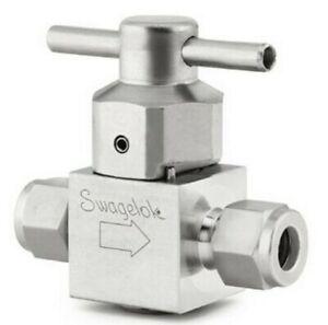 Swagelok SS-4P4T-M1 / SS4P4TMI, New Sealed, Each