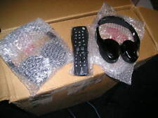 2 GM FOLD FLAT HEADPHONES 07-15 PONTIAC CHEVY REAR AUDIO KIT W REMOTE 20929304