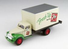 CMW 1/87 SCALE 7UP SODA - 1941/46 CHEVROLET BOX TRUCK MODEL | BN | 30480