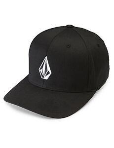 Volcom Full Stone Xfit Cap in Black