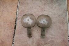 paire d anciennes lampes a huile en verres soufflés de dentelière