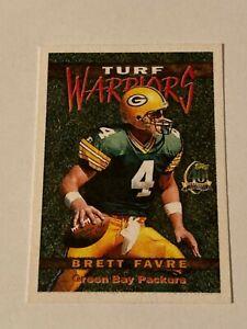 Brett Favre 1996 Topps Turf Warriors Insert Card #TW5 Green Bay Packers