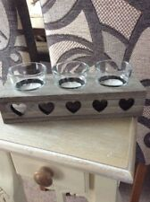 A RUSTIC WOOD STAND WITH HEARTS AND 3 GLASS TEA LIGHT HOLDERS #D