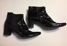 BANDOLINO Black Shiny Croco boot Size 8M with heel
