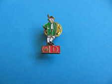 Shell Pin badge National Costumes. (D) Germany