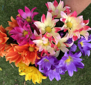 Artificial Flowers Daisy Bushes X 5 Assorted Colours Job Lot
