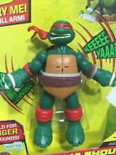 Teenage Mutant Ninja Turtles Shout Raphael Deluxe Action Figure