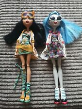 Monster High Cleo De Nile  & Ghoulia Yelps Mad Science Lab Partners 2 Doll Pack