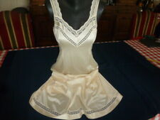 jolie combinaison & fond de robe vintage jolie dentelle taille 40/42 ref 72TS