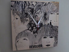 THE BEATLES*REVOLVER ALBUM CLOCK!**GREAT GIFT ITEM!!**FREE SHIPPING!!--