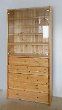 Schrank, Vitrine massiv Kiefer lackiert, 2,16 m H., 5 Schubladen, 2 Glastüren