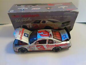 Dale Earnhardt # 3 Silver Select 95 Monte Carlo 1998 Action Nascar 1/18 see desc