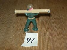 ca 1960'S BARCLAY DIMESTORE LEAD TOY SOLDIER WITH BAZOOKA #41