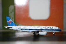Aeroclassics 1:400 China Southern Airbus A320-200 B-2350 (ACB2350) Die-Cast