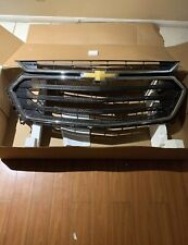 2018 -2019 Chevrolet Traverse Front Bumper Upper Grille 84297944  OEM Grill