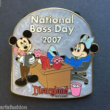 DLR - National Boss Day 2007 - Mickey & Minnie Mouse LE 500 Disney Pin 56861