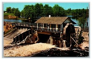 Amery, WI, Scenic Northern Wisconsin The Country Dam on Apple River, Postcard