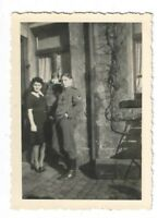 Foto, Soldaten in Uniform, Frau, Kind, Haus