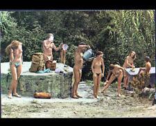 ILE DU LEVANT (83) NATURISME / TOILETTE du matin , période 1970
