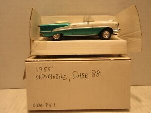 New Ray 1955 Oldsmobile Super 88 1/43 Scale Convertible Green
