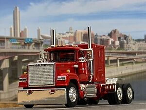 "1/64 DCP RED MACK SUPERLINER W/ 60"" FLAT TOP SLEEPER"